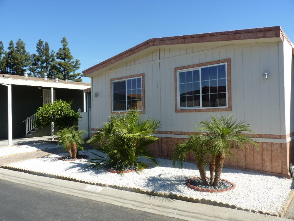 Manufactured home very nice home with low space rent for Very nice house