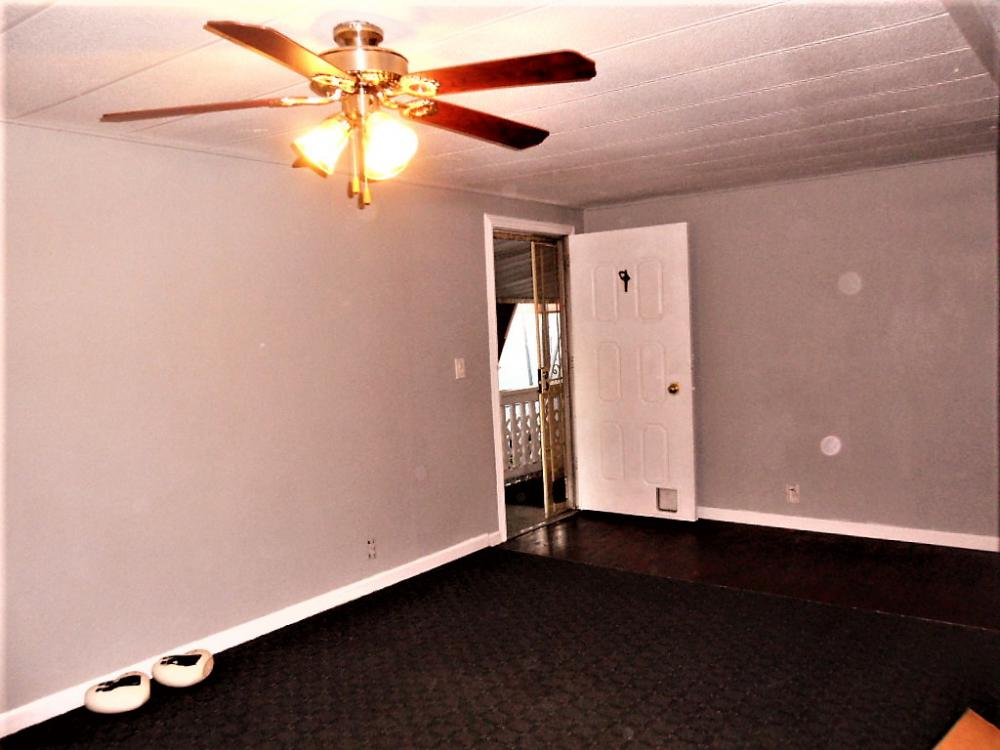 Manufactured Home: VERY NICE REMODELED 2 BED, 1 BATH MOBILE MOME!